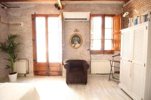 Ruang duduk di Lovely loft near Barcelona center