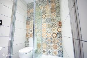 A bathroom at Willow Serviced Apartments - The Walk