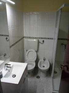A bathroom at Cerca de lisboa