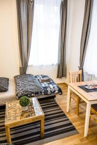 A bed or beds in a room at Gorgeous Flat only 15 min to center