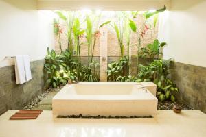 A bathroom at Aria Exclusive Villas & Spa