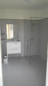 A bathroom at gîte Audeline