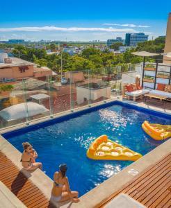Nomads Hotel Hostel & Rooftop Pool
