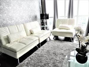 A seating area at TVHR - Luxury Condos in Heart of Downtown