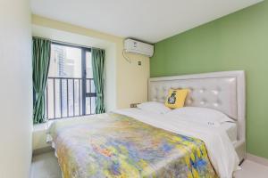 Кровать или кровати в номере Lavender Apartment