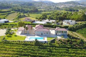 A bird's-eye view of Quinta do Morgado (6pax) - Casa do Arco