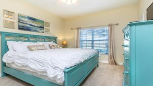 Un ou plusieurs lits dans un hébergement de l'établissement EV242793 - Storey Lake Resort - 4 Bed 3 Baths Townhome