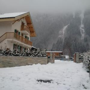 Chalet Oryx during the winter