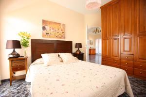 """A bed or beds in a room at """"Casa Mirador de Chira"""""""
