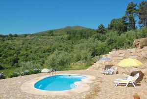 The swimming pool at or near Cardais Villa Sleeps 4 WiFi