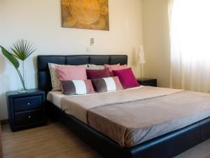 Кровать или кровати в номере Cosy Ground Floor Apartment