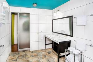 A kitchen or kitchenette at Tico Tico Villas - Adult Only