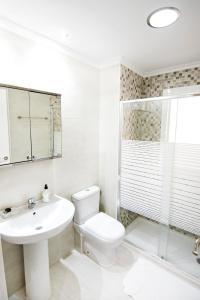 A bathroom at Barrón 21