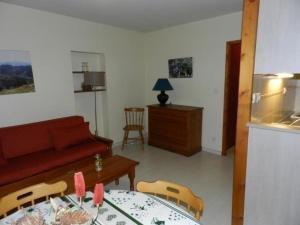 Coin salon dans l'établissement Apartment Ax-les-thermes - 4 pers, 39 m2, 2/1