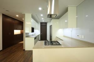 A kitchen or kitchenette at Orakai Insadong Suites