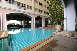 The swimming pool at or close to Clean Cozy Comfort easy to go Grand Palace&Khaosan