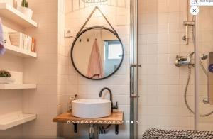 A bathroom at Appartement type loft