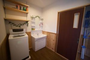 美麗海村旅館廚房或簡易廚房