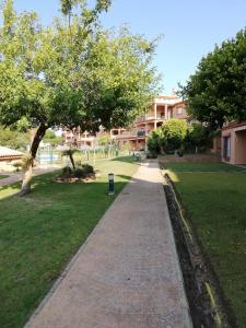 Jardín al aire libre en Sancti Petri Anocheceres