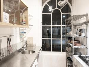 A kitchen or kitchenette at Islington Central London