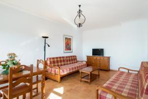 A seating area at Mirachoro III Apartamentos Rocha