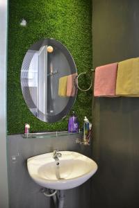 Ванная комната в Mon house 3 - 169/6A Vo Thi Sau Stress, D.3, HCMC