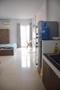 Кухня или мини-кухня в Mon house 3 - 169/6A Vo Thi Sau Stress, D.3, HCMC