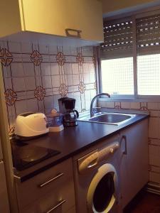 A kitchen or kitchenette at Calle del Laurel 24