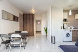 Kuhinja ili čajna kuhinja u objektu Passage des Écoles Apartment