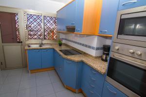 A kitchen or kitchenette at Brisamar Canteras
