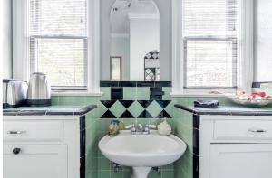Bagno di Whimsical Charm at Historic M-Streets Suite