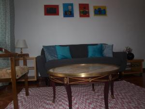 A seating area at Home