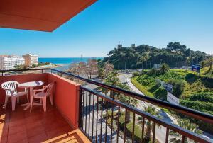 A balcony or terrace at Fuengirola Beach Apartamentos Turísticos