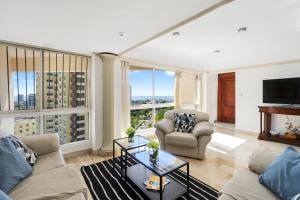 Large beautifull apartment with sea and park view