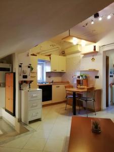 Cucina o angolo cottura di La Mansarda di Claudia