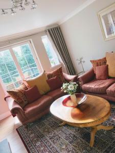 A seating area at The Maples 26 Wellingtonia Court