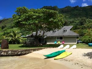 Villa Ohana - Deluxe Villa with Private Beach