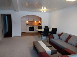 A seating area at Apartment Schinterwinkl