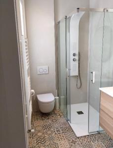 Ein Badezimmer in der Unterkunft Zurriola Beach