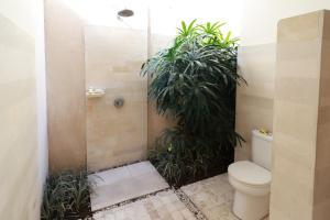 A bathroom at Villa Coco Bali