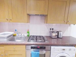A kitchen or kitchenette at Lavender at Netherwood Road