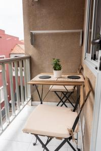 Un balcón o terraza de Central Apartment Near Martianez Beach with Balcony
