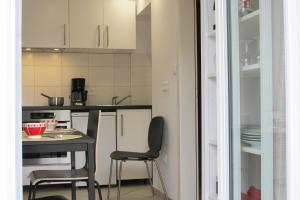 Cuisine ou kitchenette dans l'établissement Gîtes du Tilleul