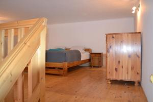 A bunk bed or bunk beds in a room at Rajczi 2 Apartman