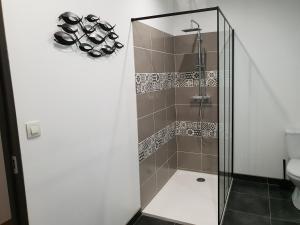 Salle de bains dans l'établissement Les Lofts du Parc