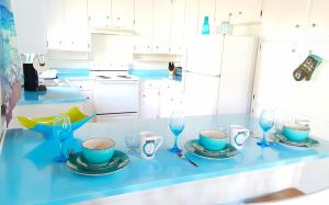 A kitchen or kitchenette at Oceano: Short walk to beach, 4 br, 2 bath, private house! Across street from park & pond