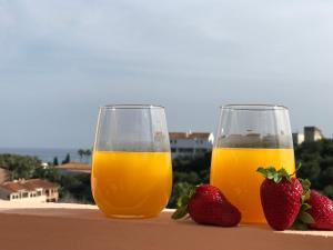 Drinks at El Faro - Amazing Duplex with Sea View , 3 Min Walks to the Beach