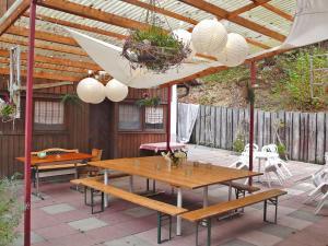 Ein Restaurant oder anderes Speiselokal in der Unterkunft Apartment Les Galets
