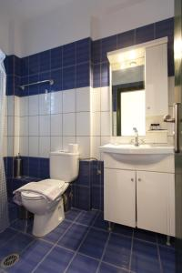 A bathroom at Koronisia Apartments