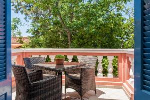 A balcony or terrace at Metohi Georgila